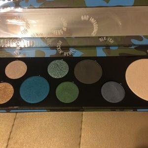 New MAC Eyeshadow Palette 8 Colors